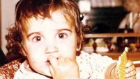 Ünlülülerin Çocukluk Fotoğrafları